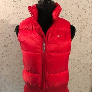 Nike puffer best small red